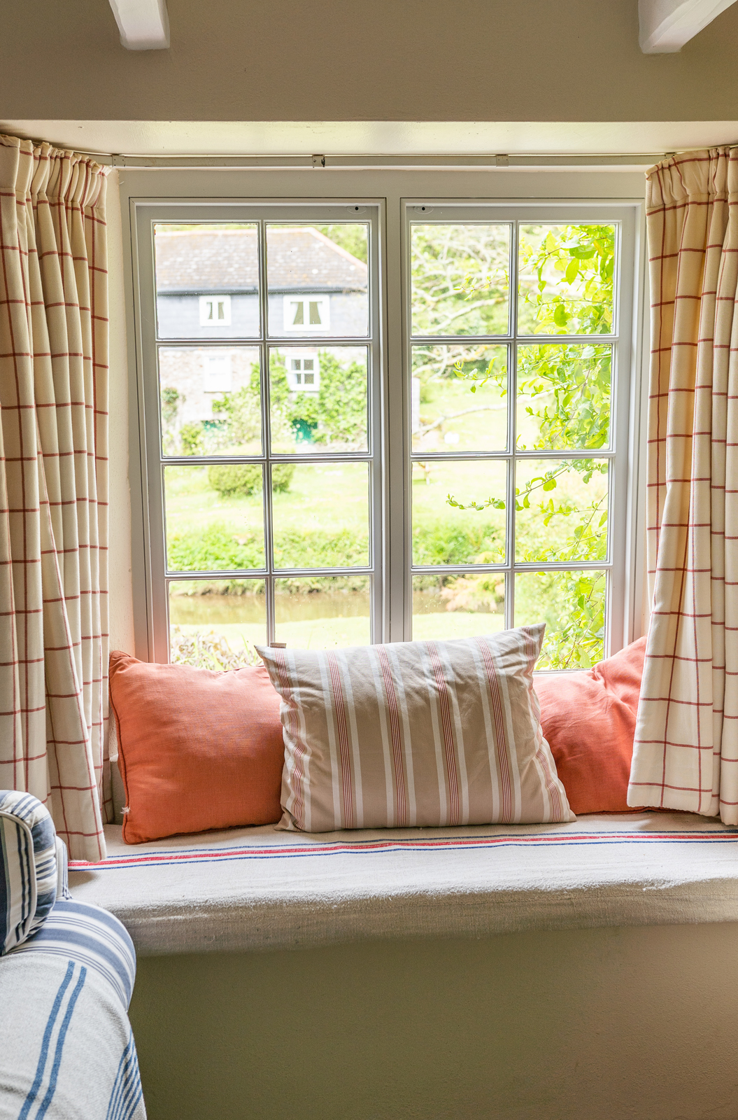 Sitting room window seat
